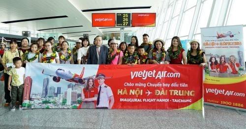 Vietjet Air effectue son premier vol sur la ligne Hanoi - Taichung hinh anh 1