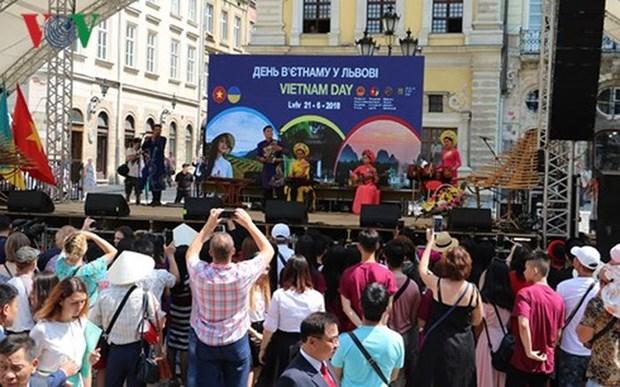 La Journee vietnamienne en Ukraine hinh anh 1