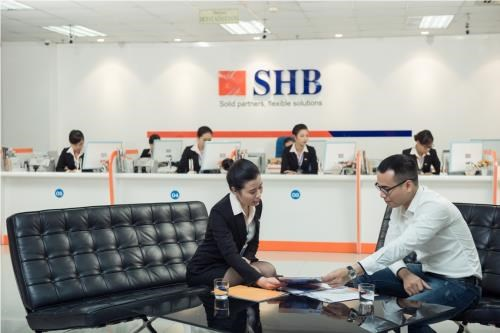 La banque SHB recoit le prix The Bizz – Business Excellence Award 2018 de Worldcob hinh anh 1