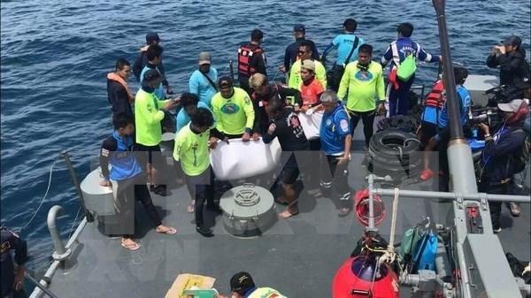 Thailande : un total de 42 morts et 5 disparus dans le naufrage a Phuket hinh anh 1