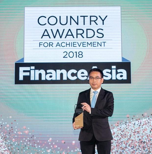 Vietcombank elue meilleure banque du Vietnam en 2018 par FinanceAsia hinh anh 1