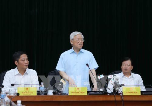 Le secretaire general Nguyen Phu Trong travaille avec le ministere de l'Industrie et du Commerce hinh anh 1