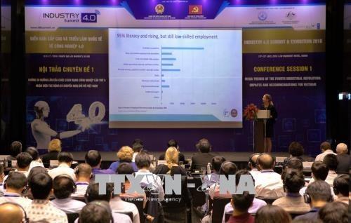 Le colloque sur la preparation des entreprises vietnamiennes a l'industrie 4.0 hinh anh 1