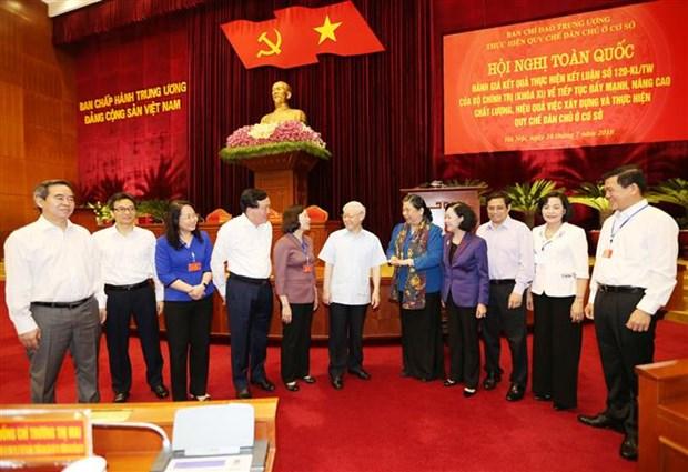 Le leader du PCV souligne l'execution des statuts sur la democratie a la base hinh anh 2