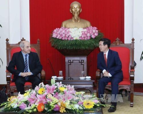 Vietnam-Italie: Le PCV felicite le secretaire general du PCI hinh anh 1