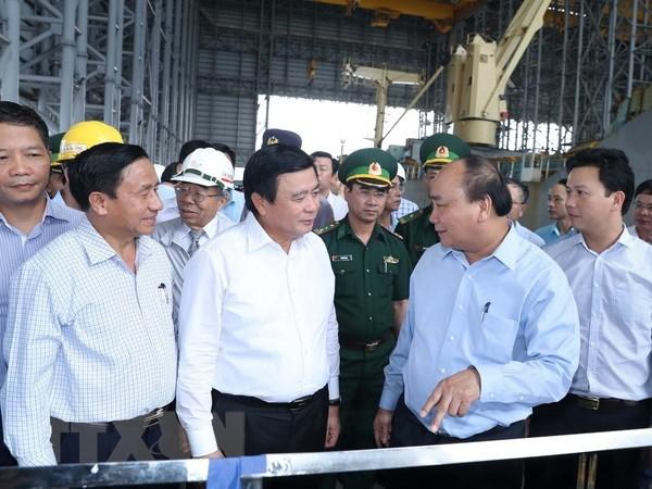 Le PM inspecte la protection de l'environnement de l'acierie Formosa Ha Tinh hinh anh 1