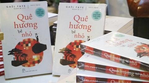 Publication en vietnamien du livre Petit Pays de Gael Faye hinh anh 1