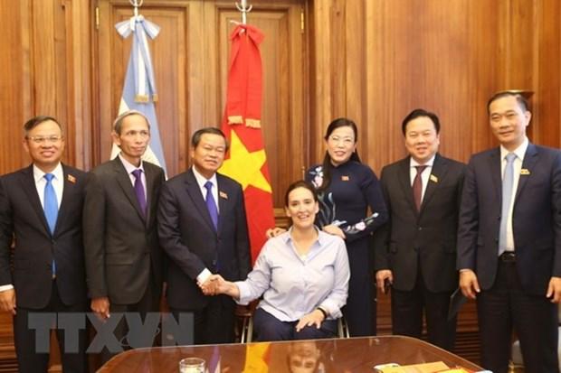 Le vice-president de l'AN vietnamienne en visite en Argentine hinh anh 1