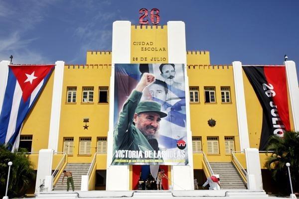 Felicitations a Cuba a l'occasion du 65e anniversaire de l'attaque de la caserne Moncada hinh anh 1