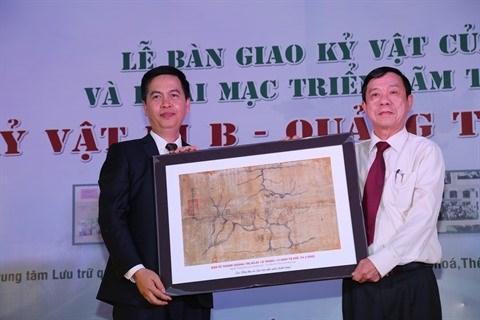 Une exposition sur les reliques de guerre a Quang Tri hinh anh 2