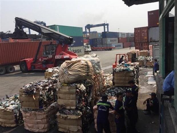 Tour de vis sur l'importation des containers des dechets au Vietnam hinh anh 1