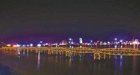Anciens ou modernes, les ponts celebres de Da Nang hinh anh 2