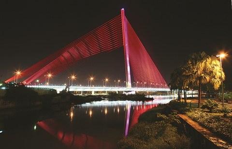 Anciens ou modernes, les ponts celebres de Da Nang hinh anh 4