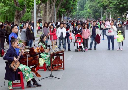 Les espaces musicaux font vibrer le vieux quartier de Hanoi hinh anh 1