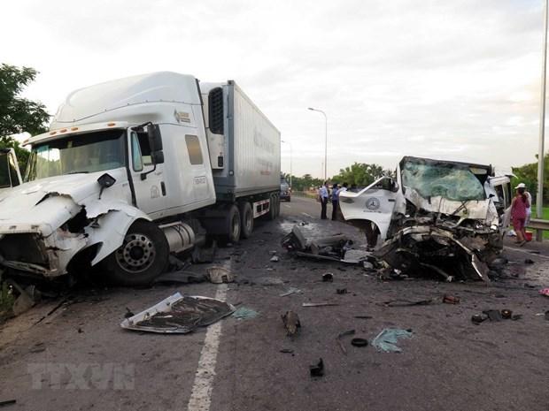Quang Nam : un accident de la route fait 13 morts hinh anh 1