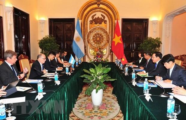 Le ministre des AE et du Culte de l'Argentine en visite officielle au Vietnam hinh anh 1