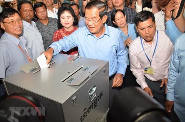 Le Vietnam felicite le Cambodge pour les elections reussies hinh anh 1
