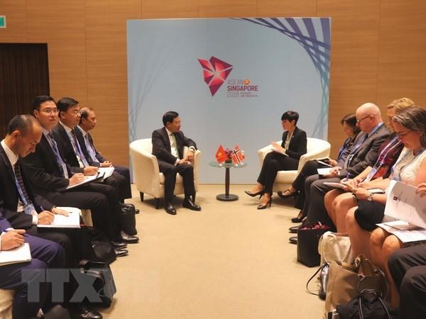 AMM-51 : le vice-PM Pham Binh Minh rencontre les ministres cambodgien et norvegien hinh anh 2
