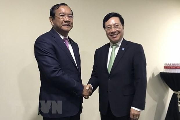 AMM-51 : le vice-PM Pham Binh Minh rencontre les ministres cambodgien et norvegien hinh anh 1