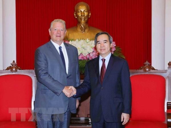 L'ancien vice-president americain salue les realisations du Vietnam hinh anh 1