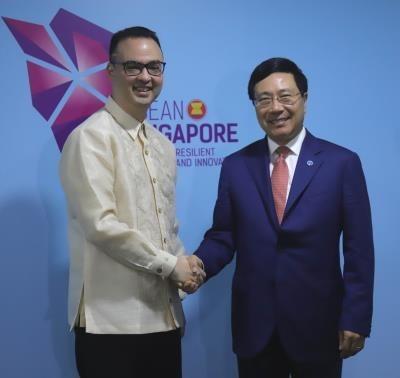 AMM 51 : Le vice-PM et ministre des AE Pham Binh Minh a des rencontres bilaterales hinh anh 3