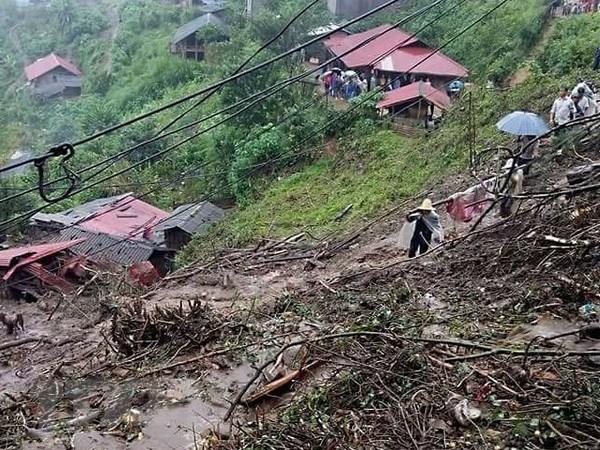 Lai Chau : Des glissements de terrain font 6 morts et 4 disparus hinh anh 1
