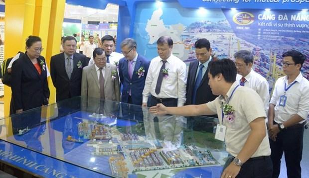 Foire du commerce et de l'investissement autour du corridor economique Est-Ouest a Da Nang hinh anh 1