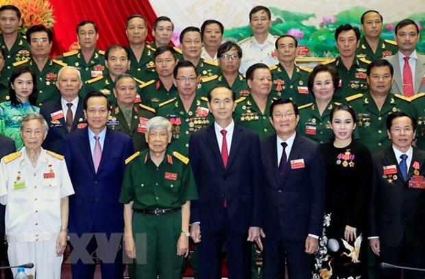 Le president exhorte les veterans a s'engager sur le front socio-economique hinh anh 1