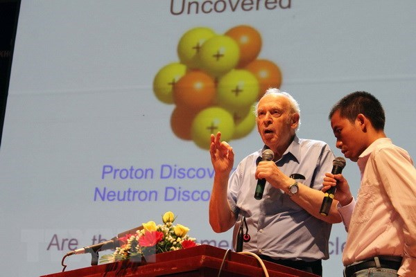 Le Prix Nobel de physique 1990 invite a explorer l'Univers et la matiere hinh anh 1