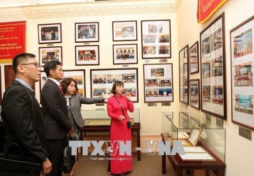 Promotion des relations Vietnam-Singapour hinh anh 1