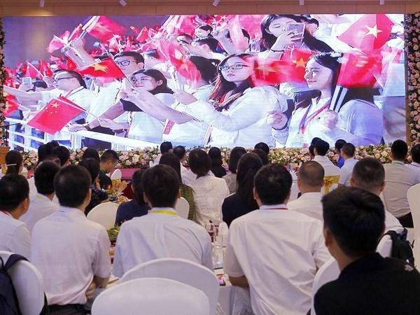Ouverture de la 18e Rencontre d'amitie entre les jeunes Vietnam-Chine hinh anh 1