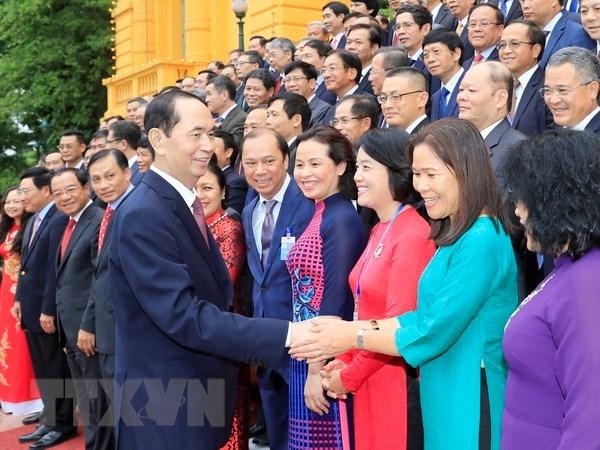 Le president Tran Dai Quang rencontre des diplomates vietnamiens hinh anh 1