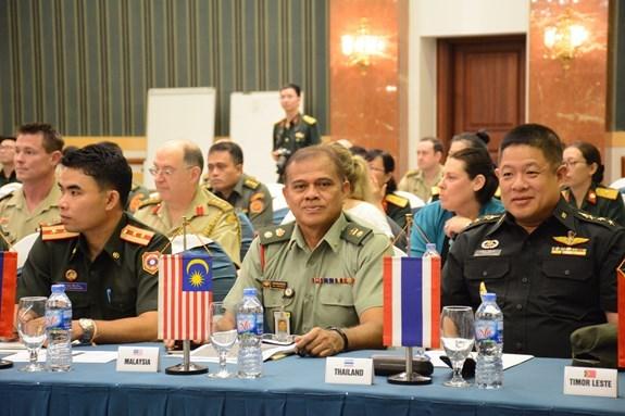 Conference sur l'enseignement de l'anglais dans des ecoles anglophones militaires hinh anh 1