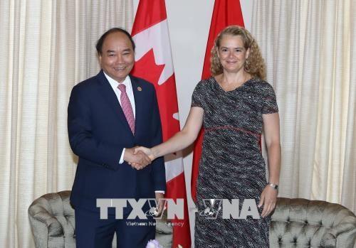 Felicitations a l'occasion des 45 ans des relations Vietnam-Canada hinh anh 1