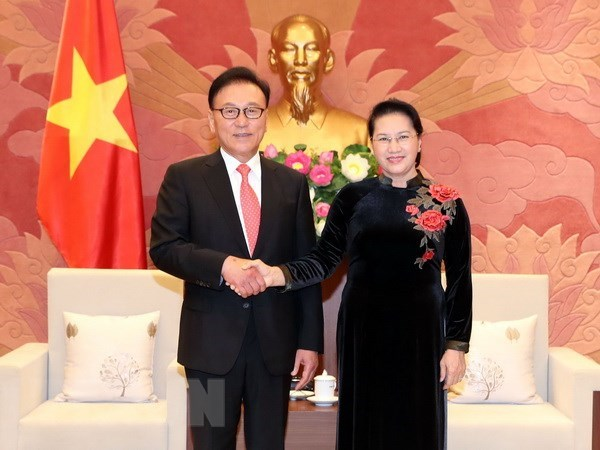 La presidente de l'AN s'engage a creer des conditions favorables aux investisseurs sud-coreens hinh anh 1