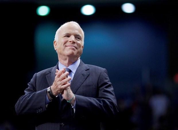 Le senateur McCain - qui aide a jeter les bases des relations vietnamo-americaines - s'eteint hinh anh 1