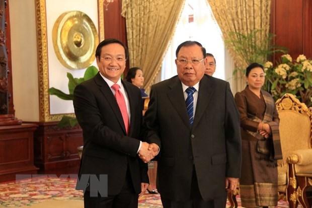 Le Vietnam cherit ses relations traditionnelles speciales avec le Laos hinh anh 1