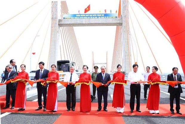 Le chef du gouvernement inaugure l'autoroute Ha Long–Hai Phong hinh anh 1