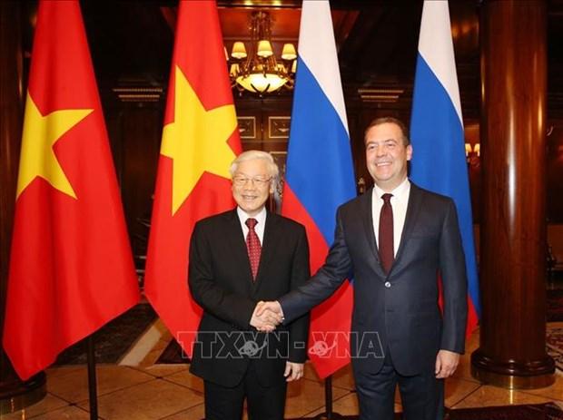 Entrevue entre le leader du PCV et le Premier ministre russe hinh anh 1