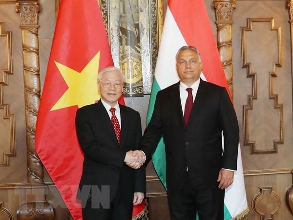 Le secretaire general du PCV Nguyen Phu Trong termine sa visite officielle en Hongrie hinh anh 1