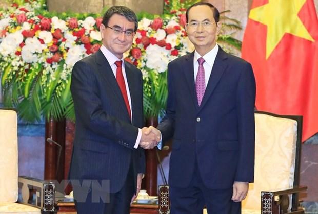 Le president Tran Dai Quang recoit le ministre japonais des Affaires etrangeres hinh anh 1