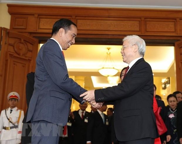 Le president indonesien termine sa visite d'Etat au Vietnam hinh anh 1