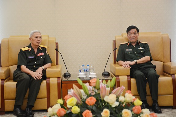 Le Vietnam stimule la cooperation de defense avec la Russie et le Laos hinh anh 2