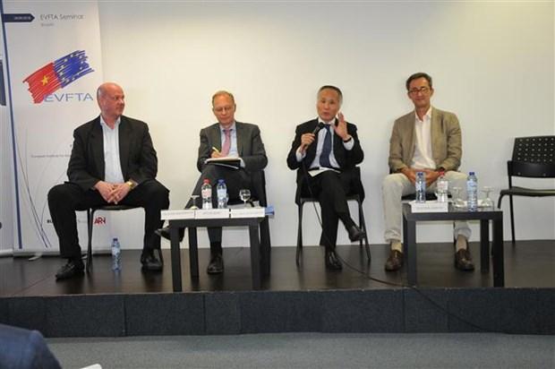 Le Vietnam resolu a creer un environnement des affaires et de l'investissement ouvert hinh anh 1