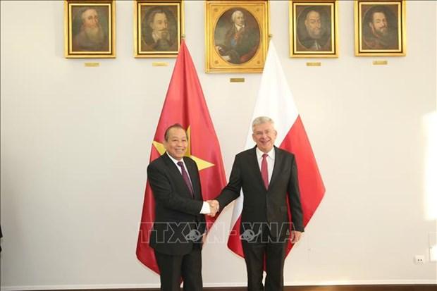 Le vice-Premier ministre Truong Hoa Binh en visite officielle en Pologne hinh anh 1