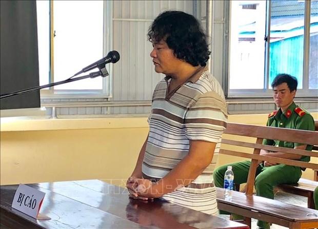 Un homme condamne pour atteintes aux interets de l'Etat hinh anh 1