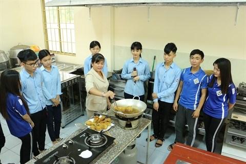 Chau Doc ameliore la main-d'œuvre pour le plus grand plaisir des touristes hinh anh 2