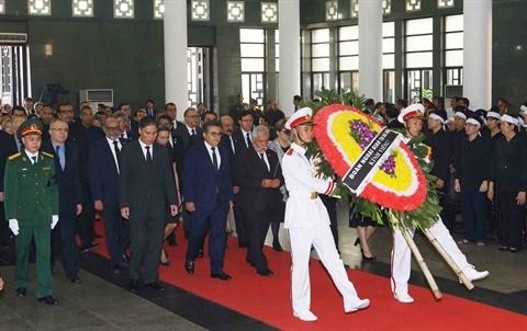 L'hommage des amis internationaux au president Tran Dai Quang hinh anh 1