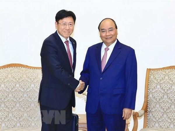 Le Premier ministre Nguyen Xuan Phuc recoit des investisseurs etrangers hinh anh 1