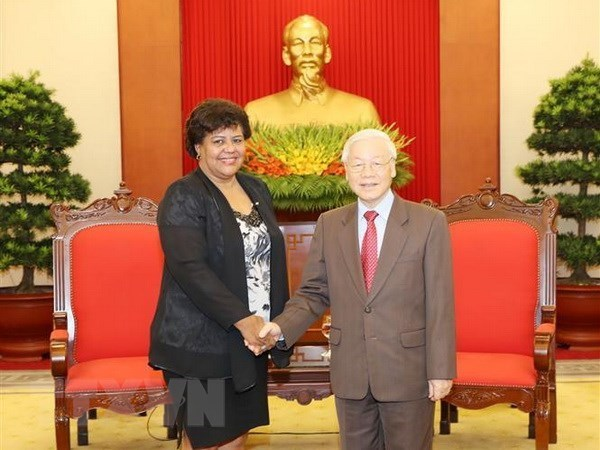 Le leader du PCV soutient pour l'œuvre revolutionnaire cubaine hinh anh 1